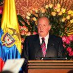 El Rey Juan Carlos participa de la cena a los asistentes a los actos de transmisión de mandato en Colombia
