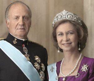 El Rey Juan Carlos y la Reina Sofía mantendrán el título de reyes de España