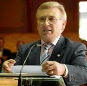 El Presidente Nacional de la Hermandad Monárquica de España felicita a D. Martín Manceñido por su elección como miembro de la Organización Mundial de Donantes de Sangre