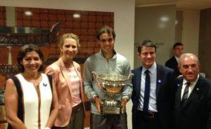 S.A.R. la Infanta Elena asistió en París a la final masculina del Trofeo Roland-Garros