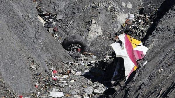La HNME hace pública su condolencia a los fallecidos del avión con destino Düsseldorf