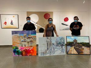 Posado de los 3 artistas ganadores