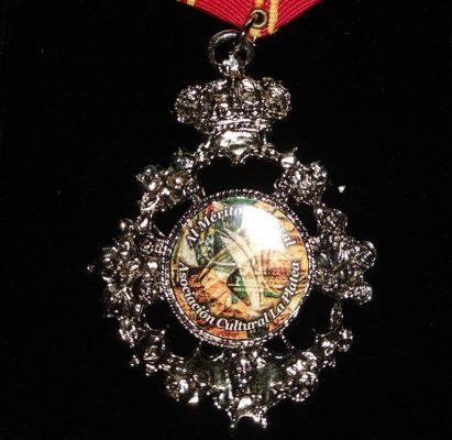 La actual directora de El Monárquico, Consuelo Giner, recibido la Medalla al Mérito Cultural