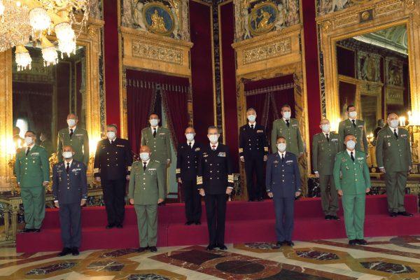 En este momento estás viendo Su Majestad el Rey recibió en audiencia militar a un grupo de coroneles y capitanes de navío