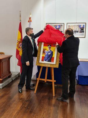 LA HERMANDAD NACIONAL MONÁRQUICA DE ESPAÑA INAUGURA EN EL MUSEO NAVAL DE FERROL LA EXPOSICIÓN ITINERANTE DE FOTOGRAFÍAS DE SM EL REY