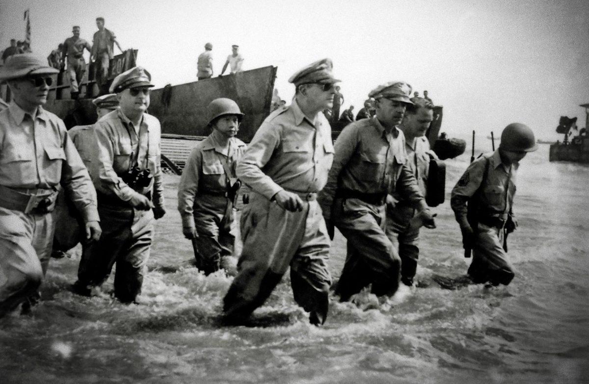 Lee más sobre el artículo El adios del general MacArthur