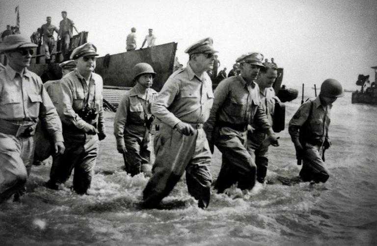 El adios del general MacArthur