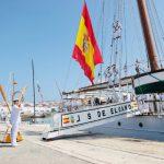 """Su Majestad el Rey acompañó al Buque Escuela de la Armada """"Juan Sebastián de Elcano"""" en su llegada al Puerto de la Bahía de Cádiz tras culminar su undécima vuelta al mundo"""