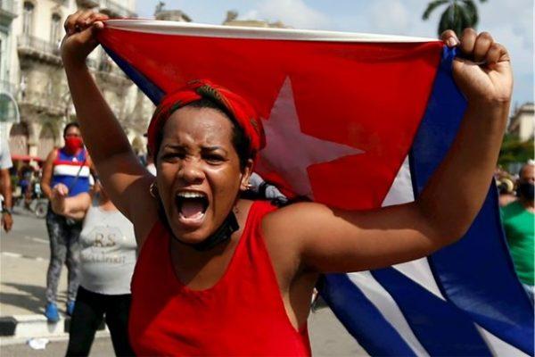 """Lee más sobre el artículo """"Cuba, el encaje de dos realidades paralelas: la revolucionaria y opositora"""" (I)"""