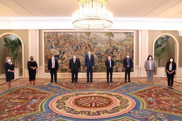 Lee más sobre el artículo Felipe VI recibe en Zarzuela al Grupo Social Lares